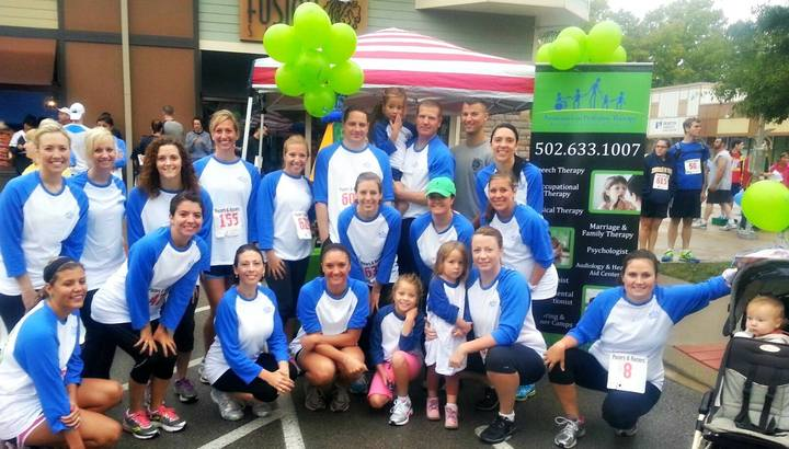 Team Apt Outrunning Autism  T-Shirt Photo