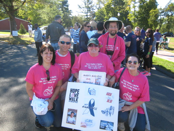 Walk To Defeat Als T-Shirt Photo