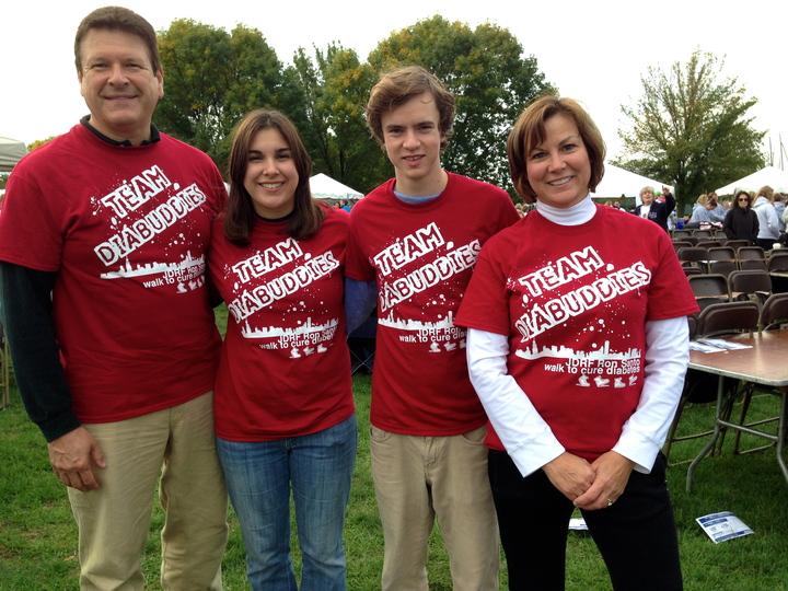 Team Diabuddies At The Jdrf Ron Santo Walk To Cure Diabetes T-Shirt Photo