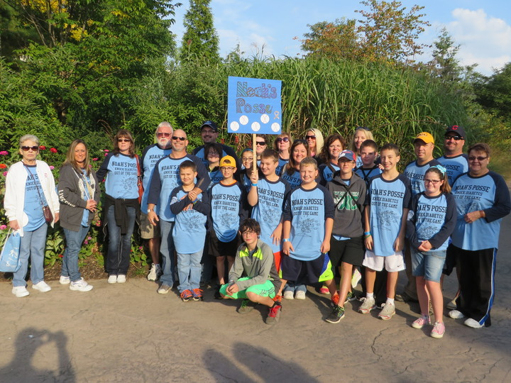 Noah's Posse   2013 Jdrf Walk To Cure Diabetes T-Shirt Photo