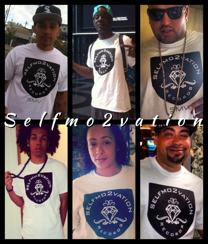Selfmo2vation T-Shirt Photo