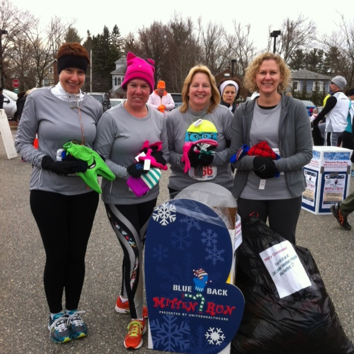 Mitten Run T-Shirt Photo