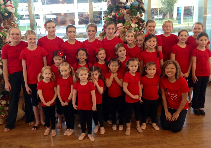 Hope For The Holidays Performance At Randall Children's Hospital  T-Shirt Photo