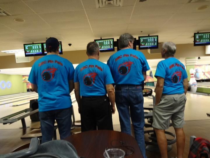 Ist Place Team (It Must Be The Shirts!) T-Shirt Photo