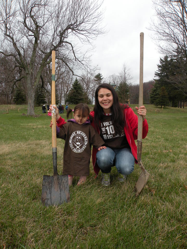 """Busy Beavers"" Volunteer For The Trees! T-Shirt Photo"