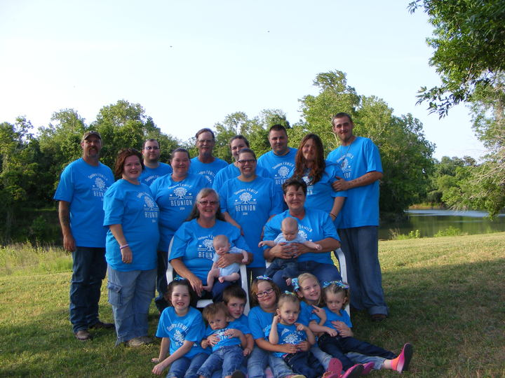 Saunders Reunion T-Shirt Photo
