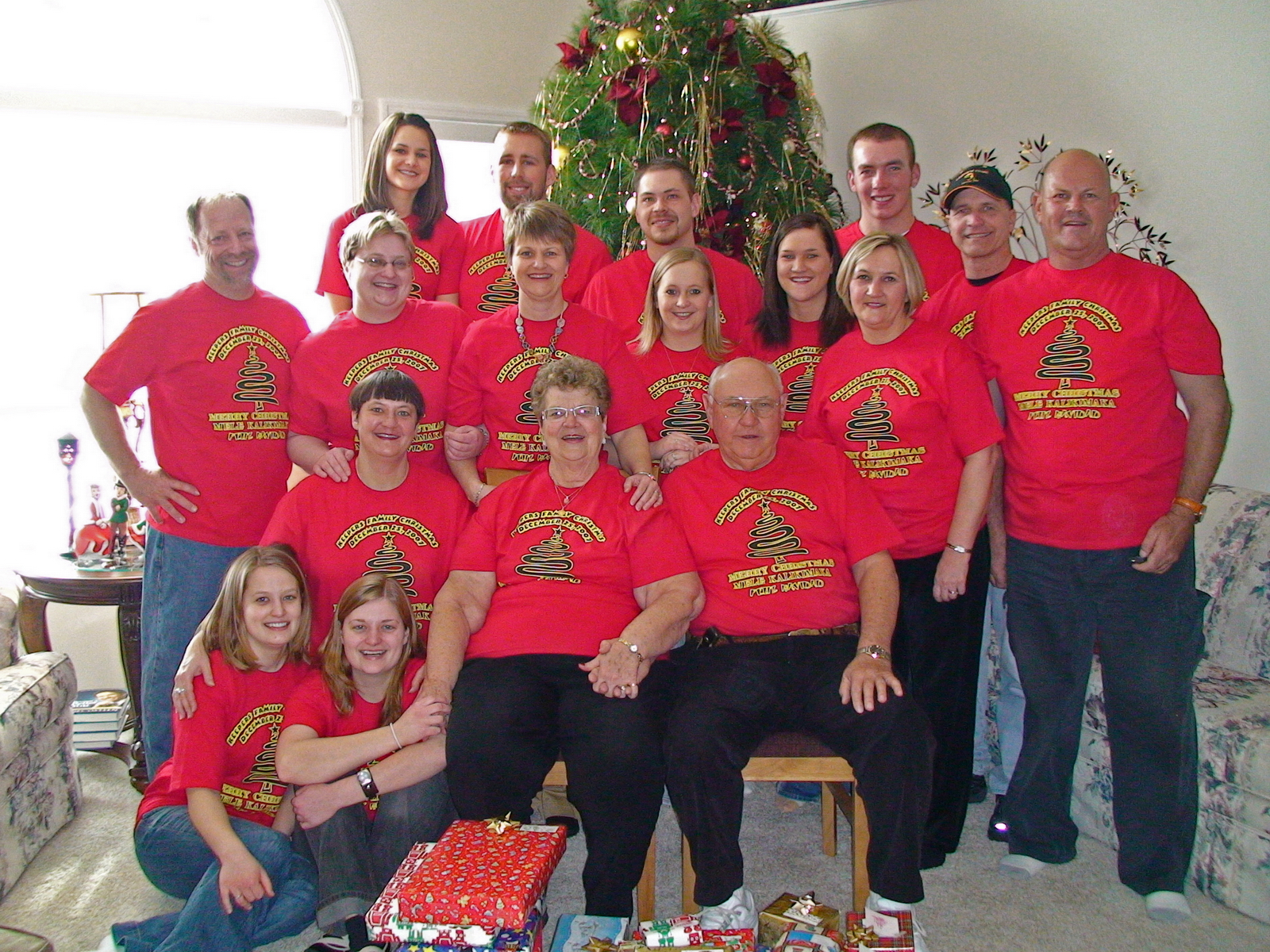 Keepers Family Christmas 2007 T Shirt Photo