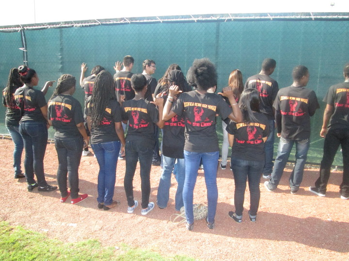 "Deerfield Beach High Secme   ""Fear The Deer""  T-Shirt Photo"