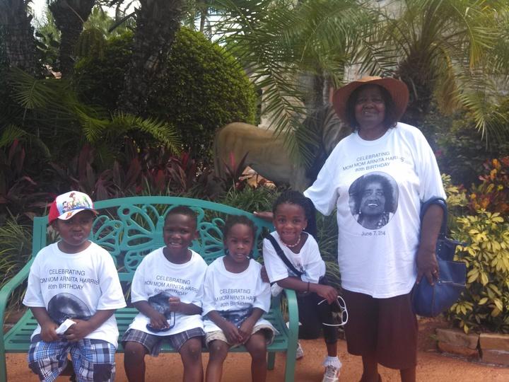 Mommom Arnita Harris 80th Birthday T-Shirt Photo