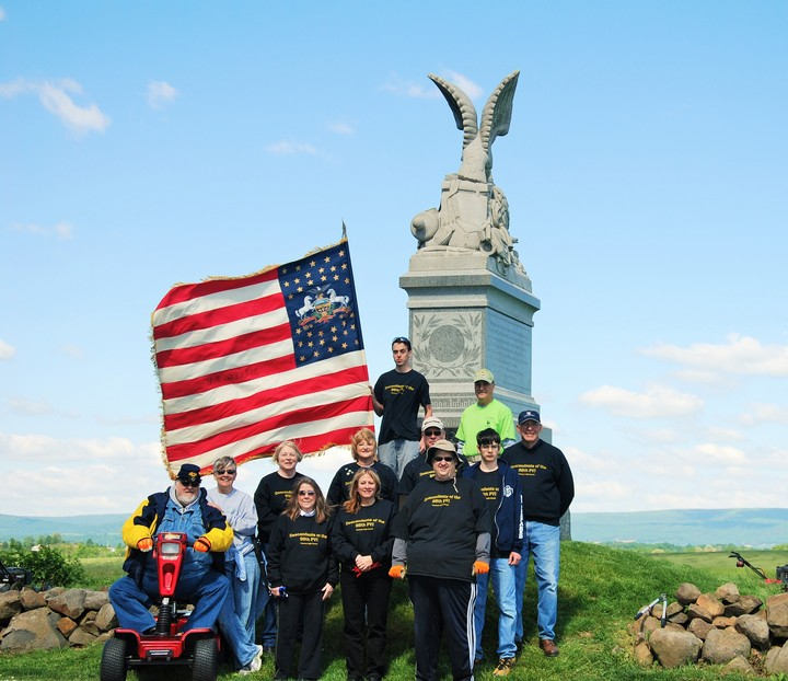 Gettysburg Cleanup On Oak Ridge T-Shirt Photo