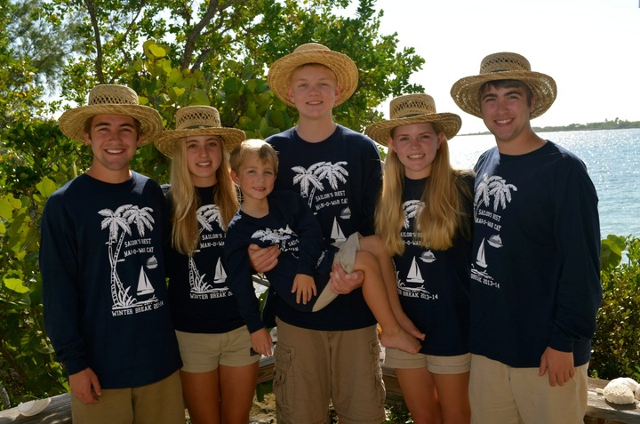 Family Vacation In Paradise! T-Shirt Photo