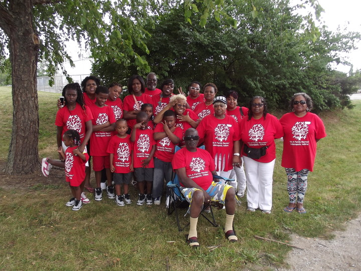 Anderson Family Reunion T-Shirt Photo