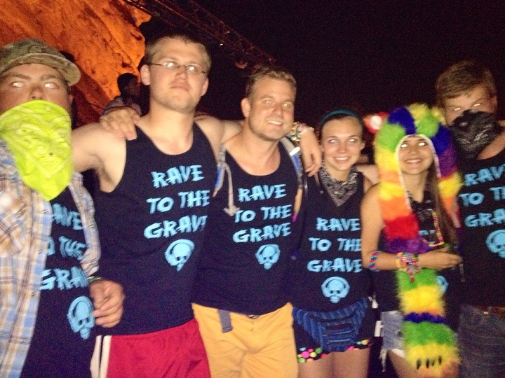 Rave 2 The Grave  T-Shirt Photo