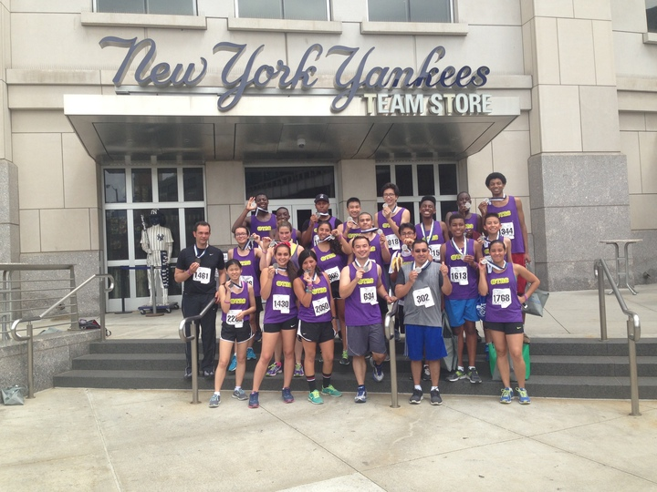 The Teak Running Club At The Damon Runyon 5 K At Yankee Stadium T-Shirt Photo