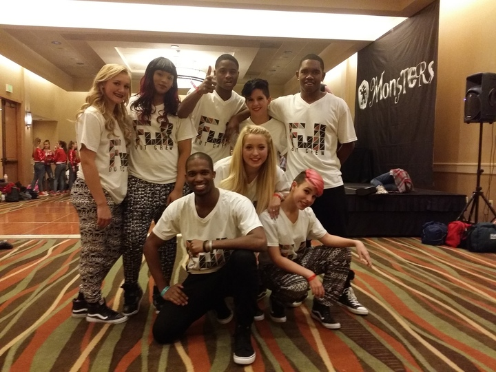 Fullout Crew T-Shirt Photo