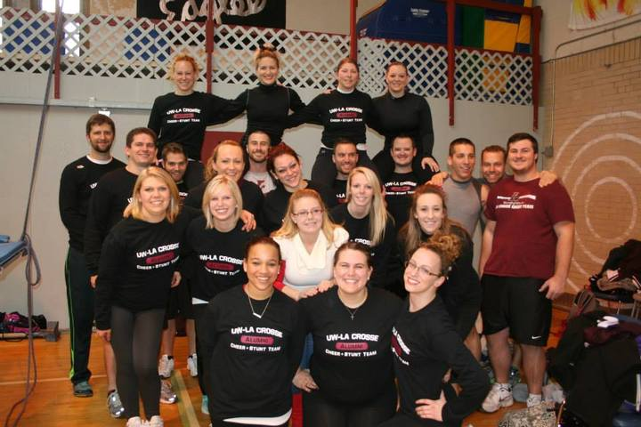 University of Wisconsin-La Crosse Cheer + Stunt alumni pose for a ...