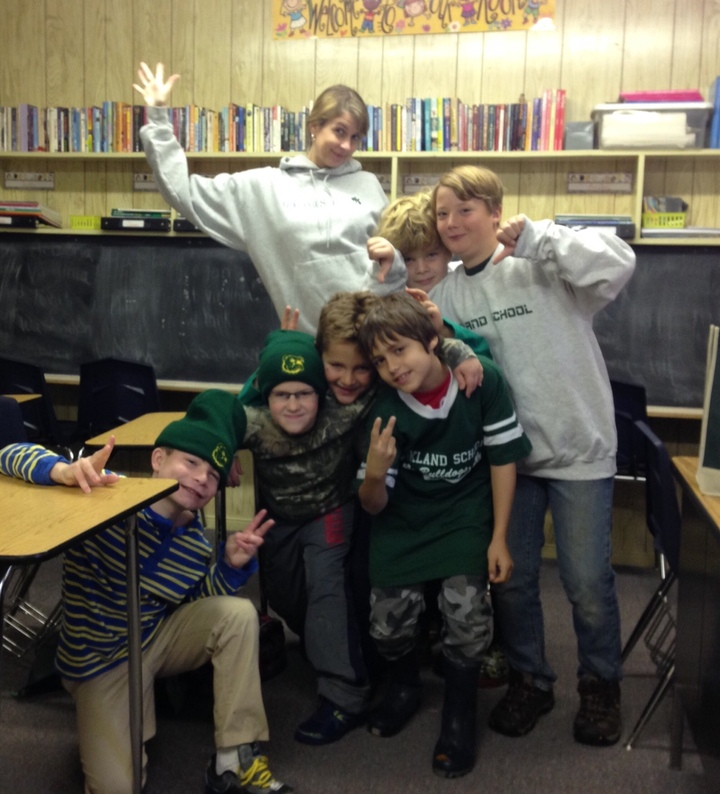 Oakland School Loves To Show Their School Spirit! T-Shirt Photo