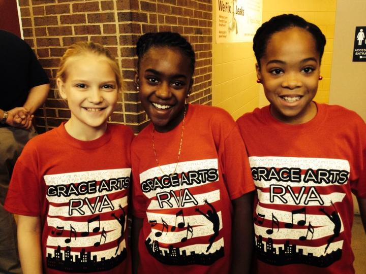 Globetrotters Dance! T-Shirt Photo