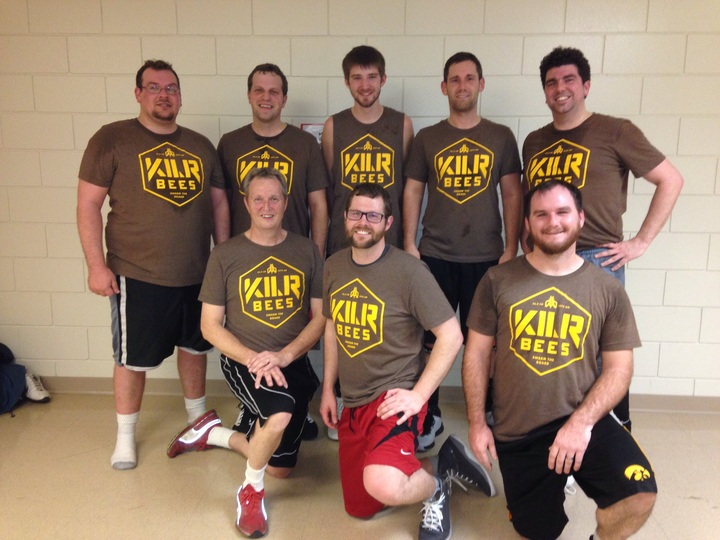 Kilr Bees Old Guy Basketball Team T-Shirt Photo
