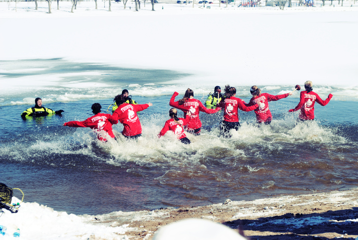 Thunder Plungers Take The Plunge For Special Olympics T-Shirt Photo