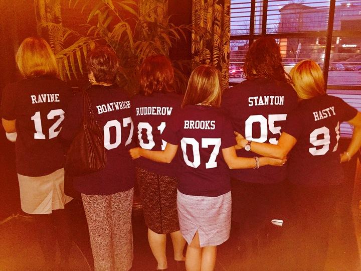 Internal Comms Team Photo   Commicistas! T-Shirt Photo
