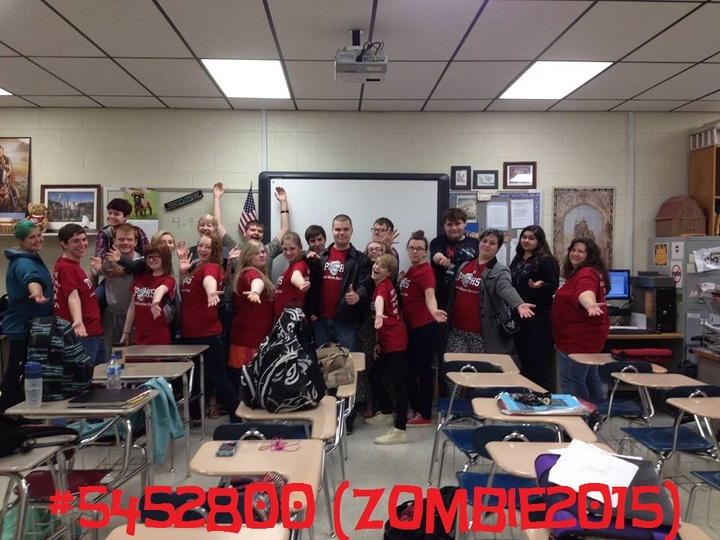 Tphs Zombie Movie Fan Club Representing! T-Shirt Photo