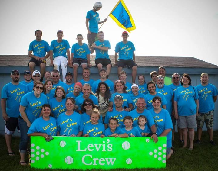 Levi's Crew T-Shirt Photo