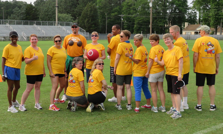 Parrots Of The Caribbean Relay For Life Kickball Team T-Shirt Photo