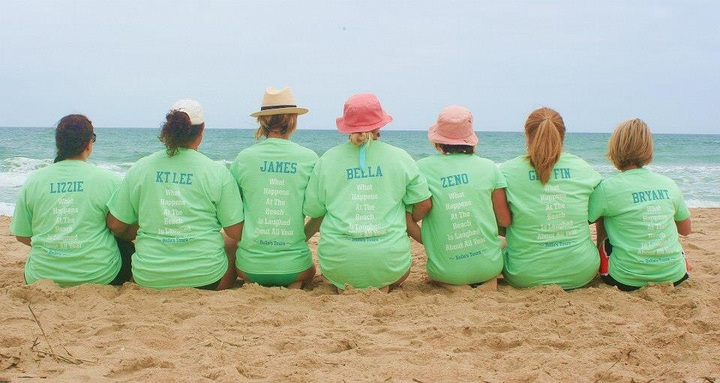 Bella's Tours T-Shirt Photo