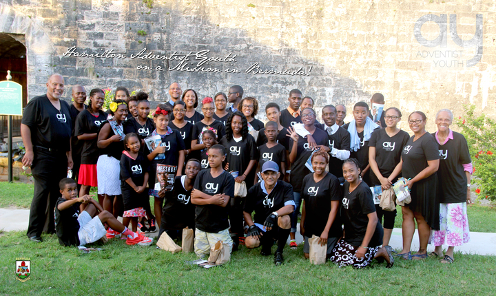 End To End Hamilton Adventist Youth On A Bus Mission T-Shirt Photo