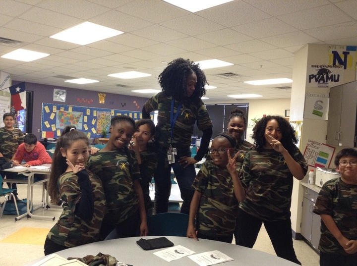 6th Grade Avid Soldiers T-Shirt Photo