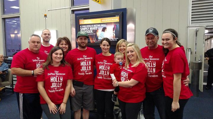 Holly Jolly Family Vacation T-Shirt Photo