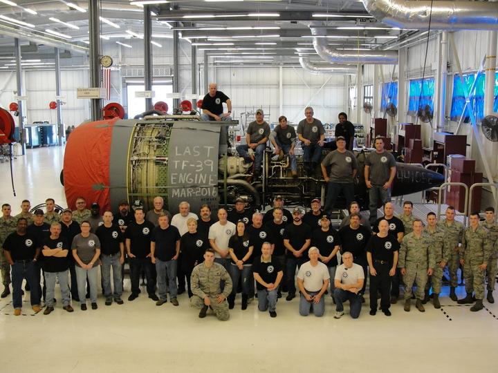 Last Tf 39 Engine T-Shirt Photo