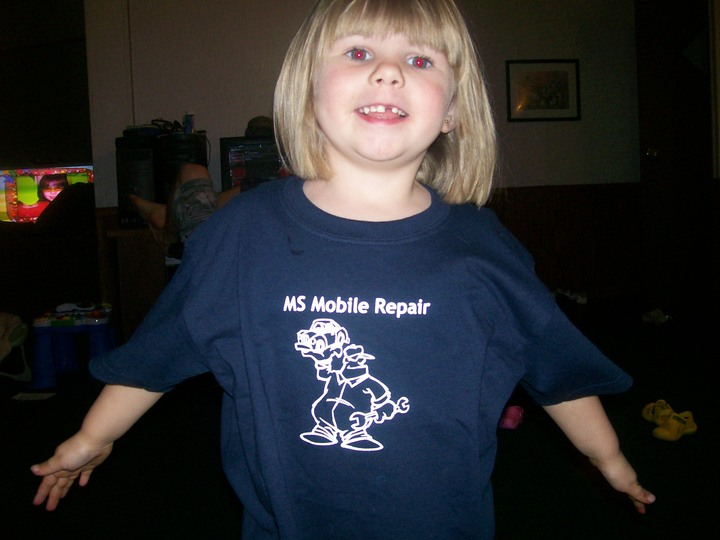 Proud So Support Daddy's Business! T-Shirt Photo