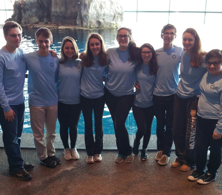 Te Confirmation Class Goes To Chicago   Shedd Aquarium T-Shirt Photo