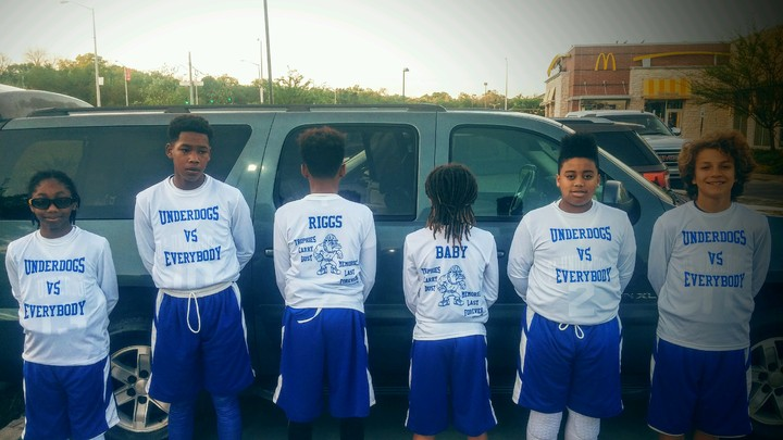 Da Underdogs Basketball Team T-Shirt Photo