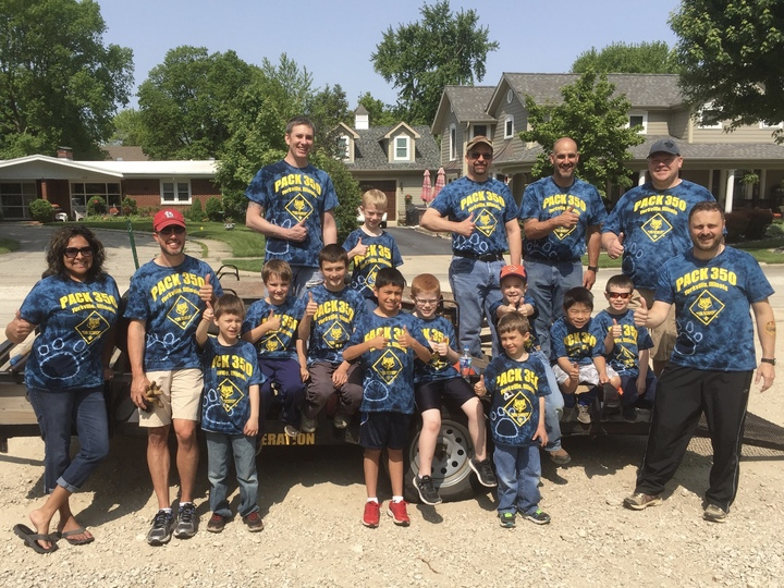 Yorkville Pack 350 Memorial Day Service Project. T-Shirt Photo