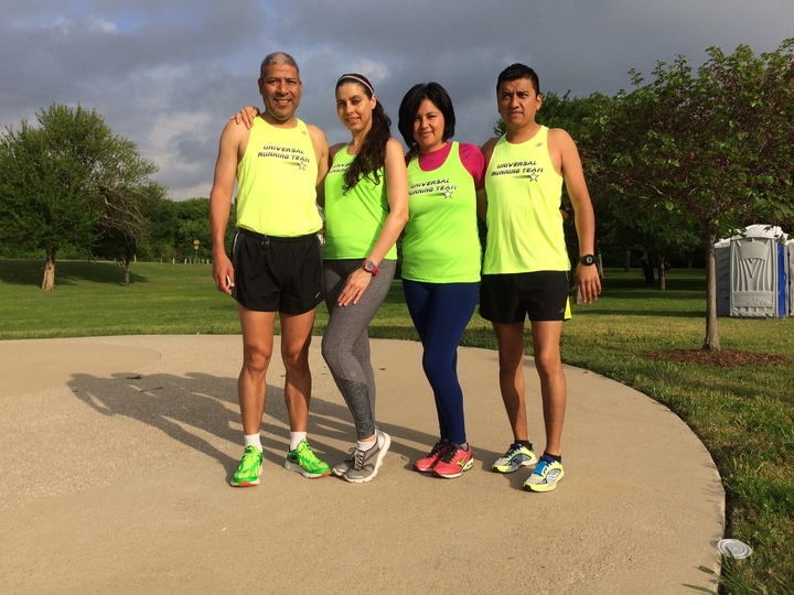 Universal Running Team T-Shirt Photo