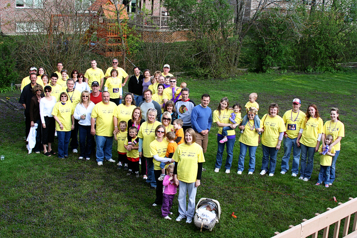 House Teague Crew's 2oo9 Efforts For Pancreatic Cancer T-Shirt Photo