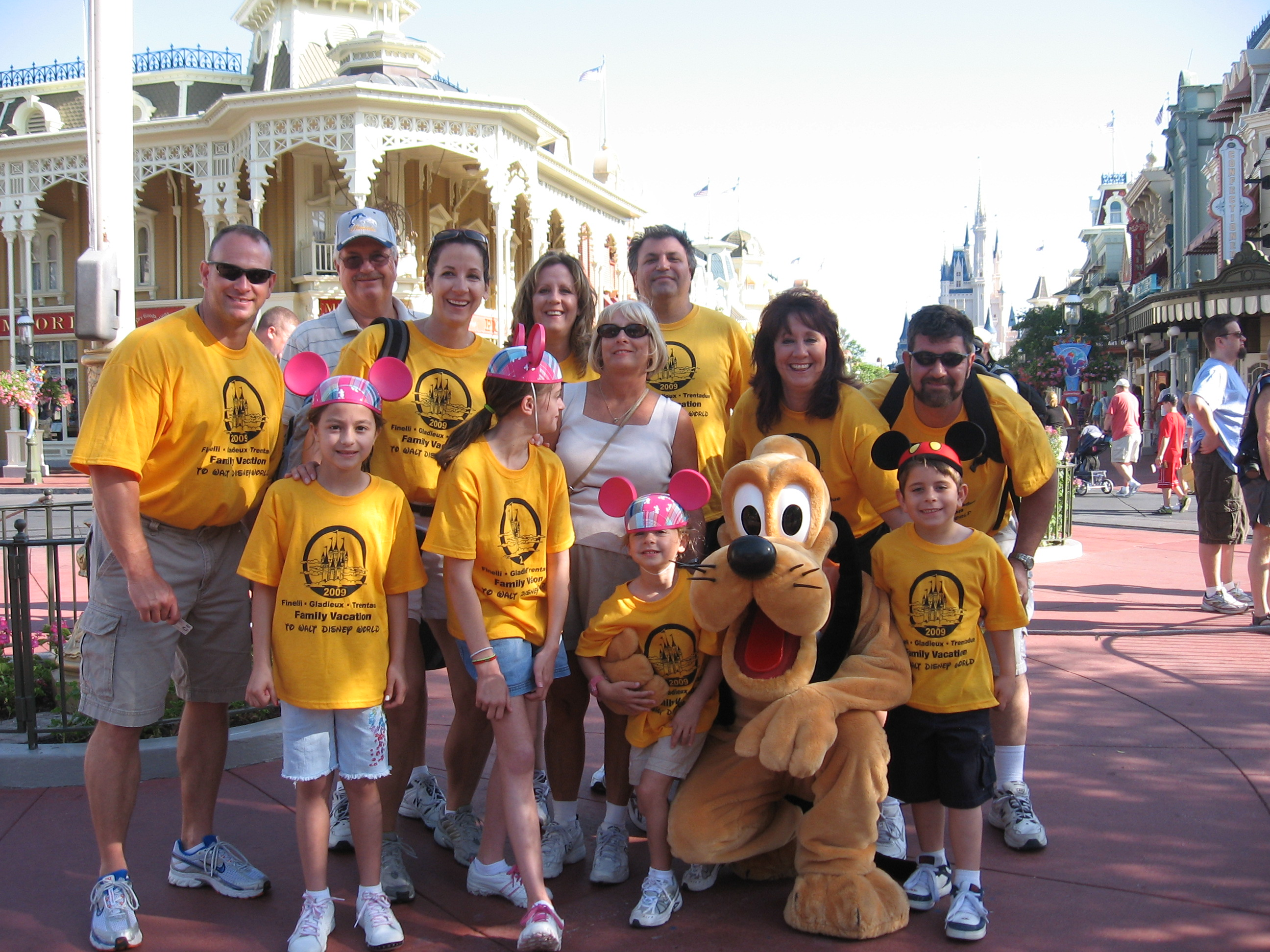 Disney World Family Vacation 2009 T Shirt Photo