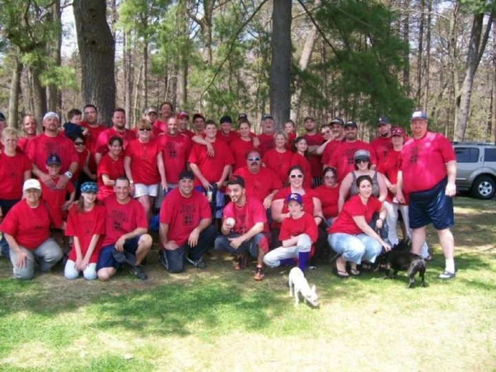 Bumpers Family Softball Team And The Superfans T-Shirt Photo
