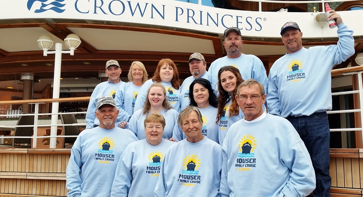 Mouser Family Cruise T-Shirt Photo