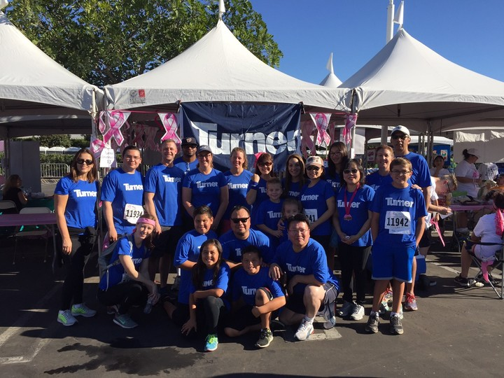 Turner Construction Blue Crew   Race For The Cure T-Shirt Photo