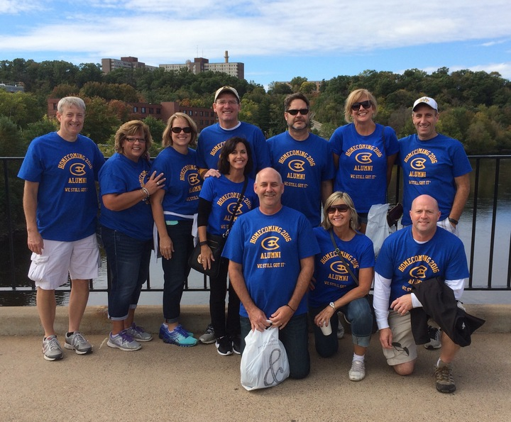 Uw Eau Claire 2016 Alumni T-Shirt Photo