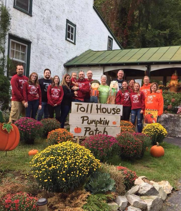 Toll House Pumpkin Fest 2016! T-Shirt Photo