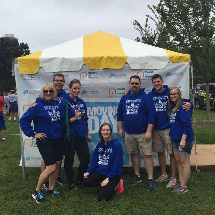 Team Shirley's Shakers National Parkinson Foundation Moving Day® Chicago Walk  T-Shirt Photo