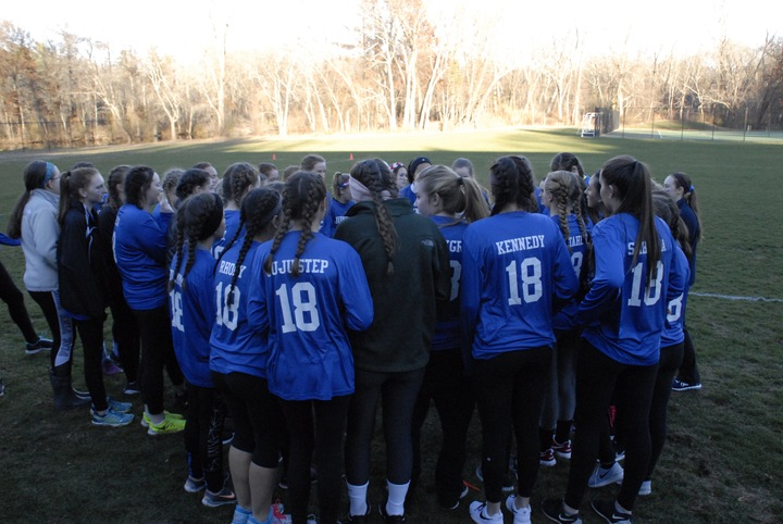 Class Of '18 Team Huddle! T-Shirt Photo