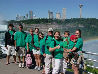 Family Reunion At Niagara Falls T-Shirt Photo