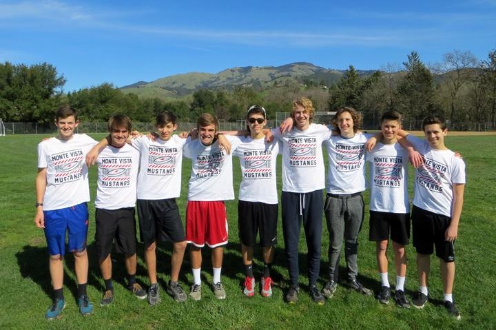 Monte Vista Frisbee T-Shirt Photo