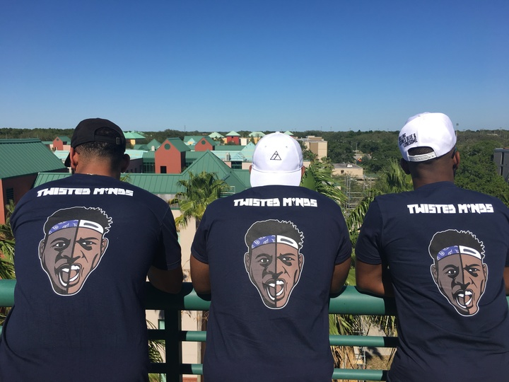 Twisted Minds T-Shirt Photo